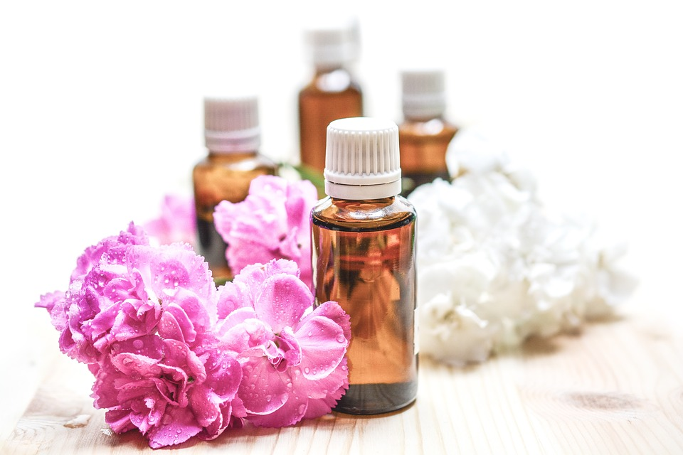 How To Make Your Own Natural Perfumes