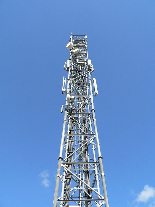 Use Professional Help For Finalizing Mobile Signal Tower Leasing Options
