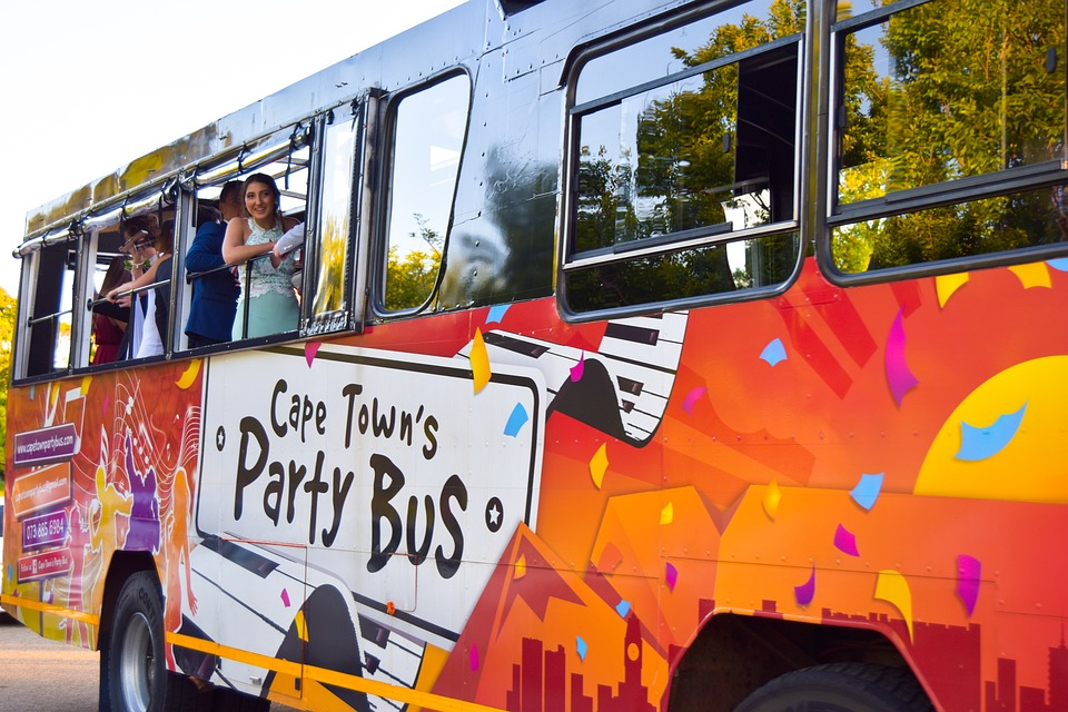 Hens Party Transport: How To Ensure That Guests Have A Memorable Night
