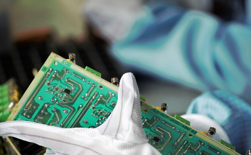 Why Use Turnkey PCB Assembly Services?