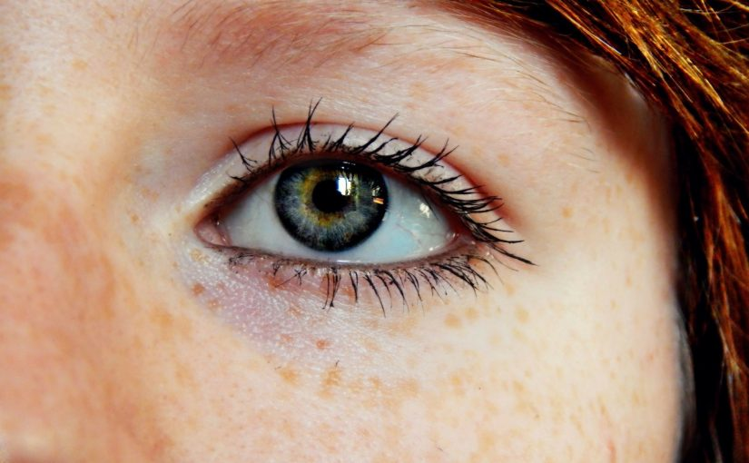 An Ultimate Guide To Selecting Eye Contact Lens Colours